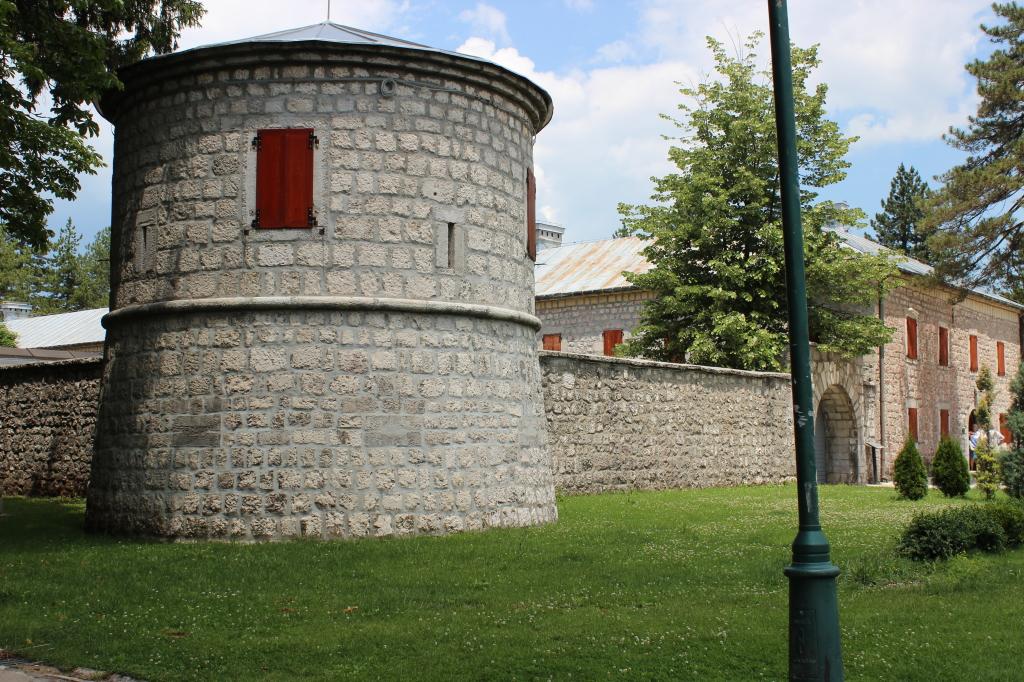 сооружение в виде крепости в Цетинье