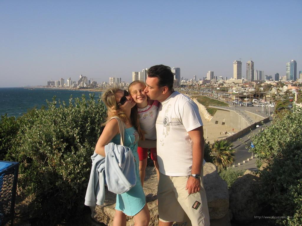 Алексей Зимин с семьей в Израиле 2009