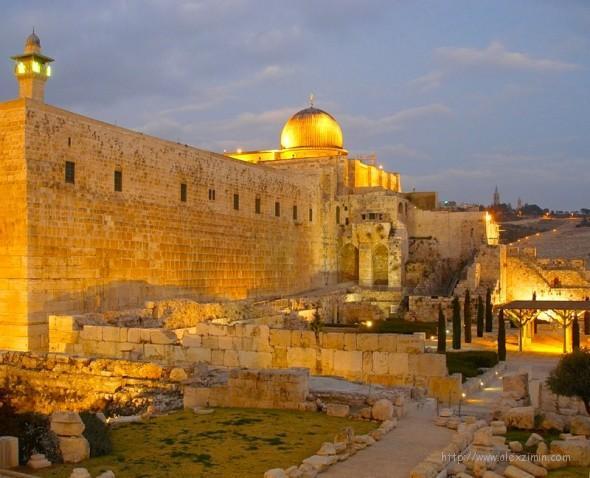 Израиль стена с подсветкой