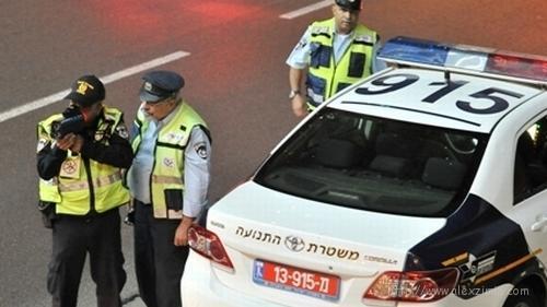 Полиция измеряет скорость авто в Израиле
