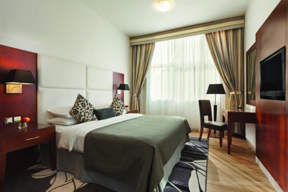 Ramada Sharjah - отличный отель если арендуете машину в Эмиратах