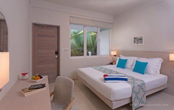 Недорогие резорты на Мальдивах - Malahini Kuda Bandos Resort