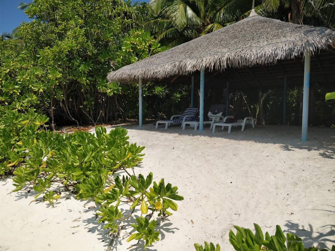 Бунгало от Три Хертс на пляже Фуладу