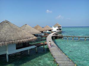 Домики на воде на Мальдивах. Adaaran Club Rannalhi 4