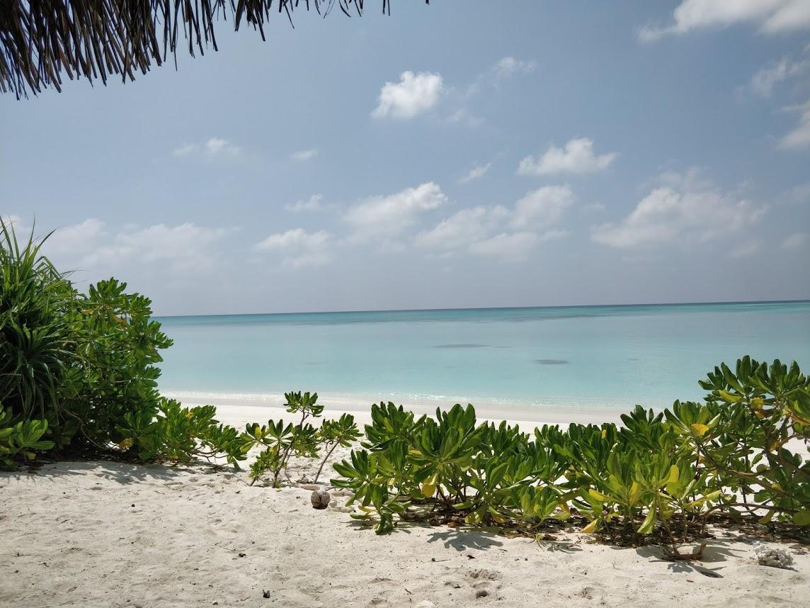 Пляж острова Фуладу. Вид из бунгало