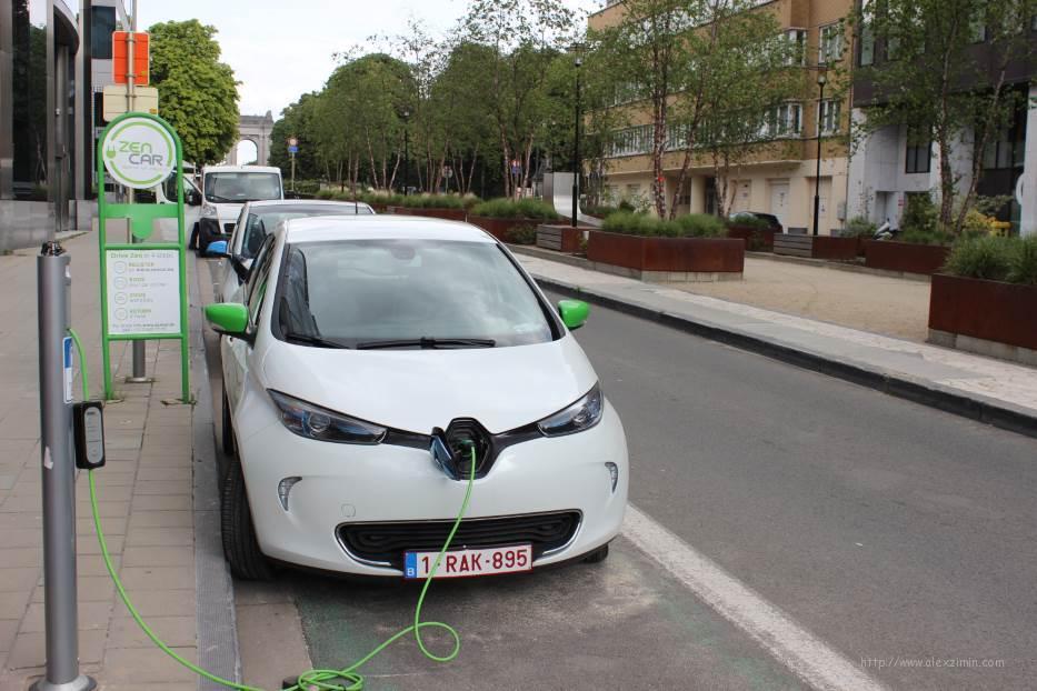 Аренда авто в Европе. Зарядка для электромобиля
