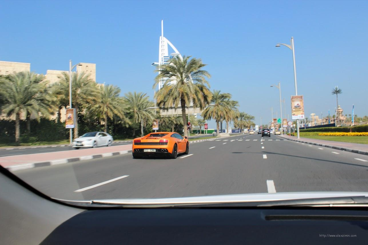Аренда авто в ОАЭ - Идеально ровные дороги в Эмиратах