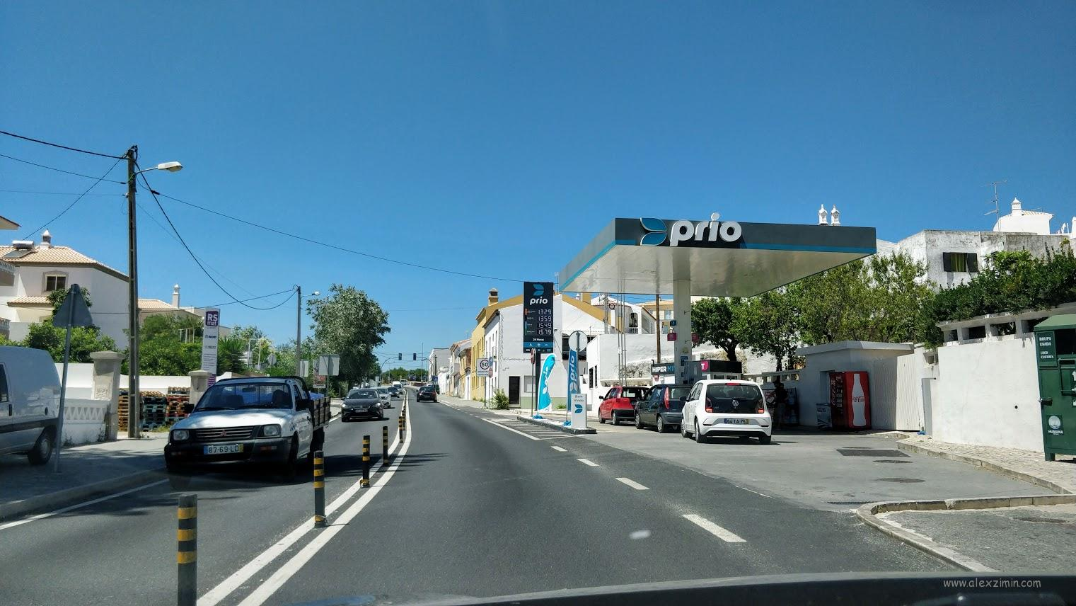Заправка в Албуфейре, Португалия