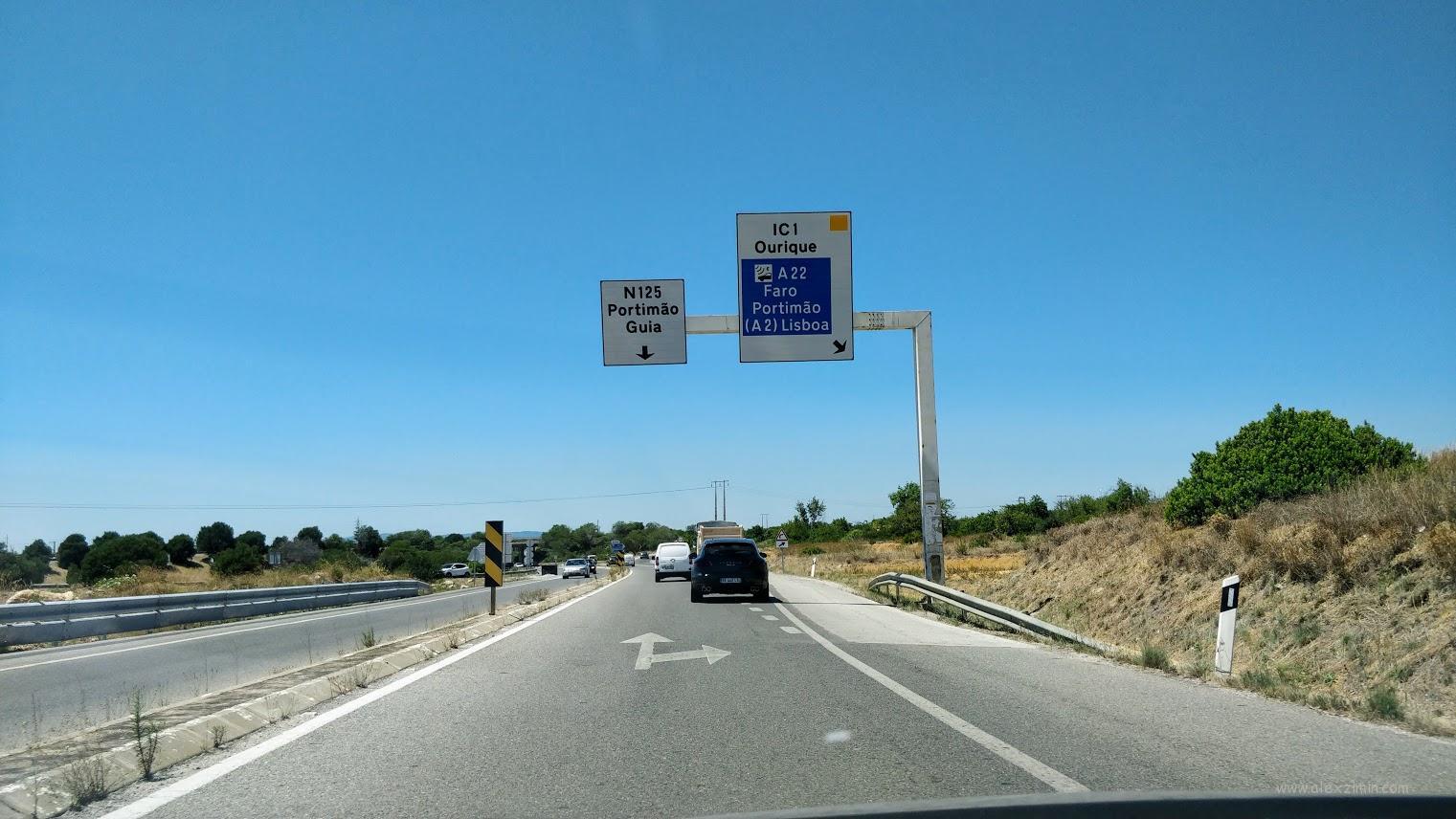 Как обозначается выезд на автомобильную дорогу с электронной оплатой в Португалии