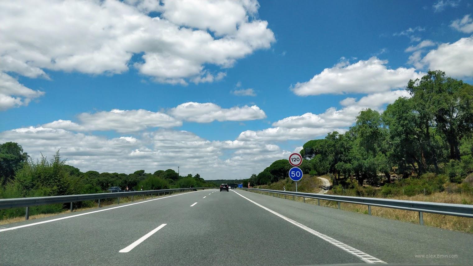 Ограничение скорости на автобане в Португалии - 120 км/ч