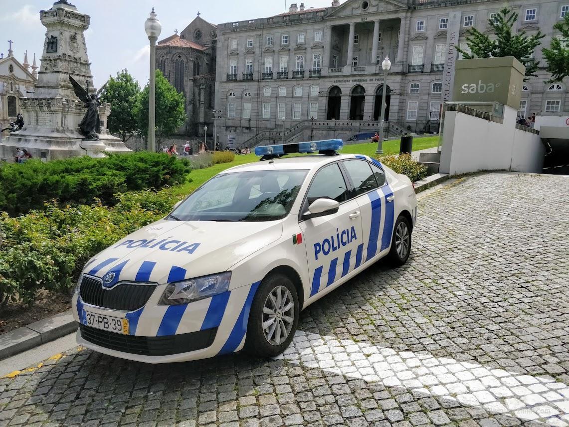 Машина полиции в Португалии