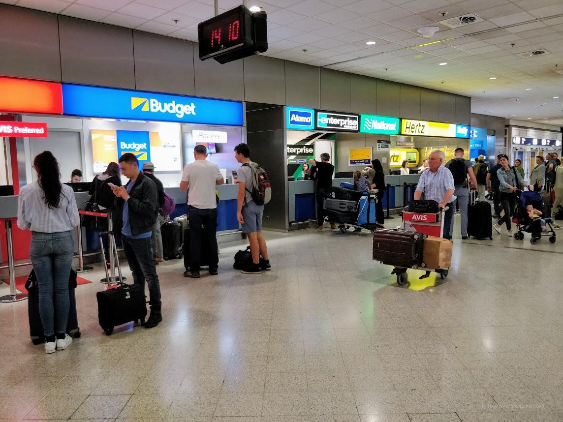 Офисы международных прокатных компаний в аэропорту города Афины Греция