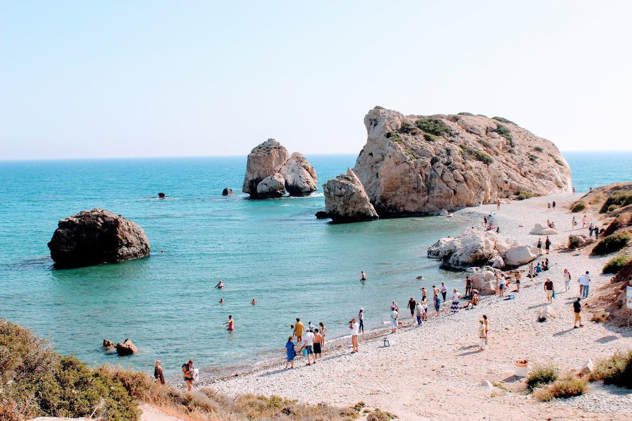 Бухта и камень Афродиты недалеко от Пафоса, Кипр