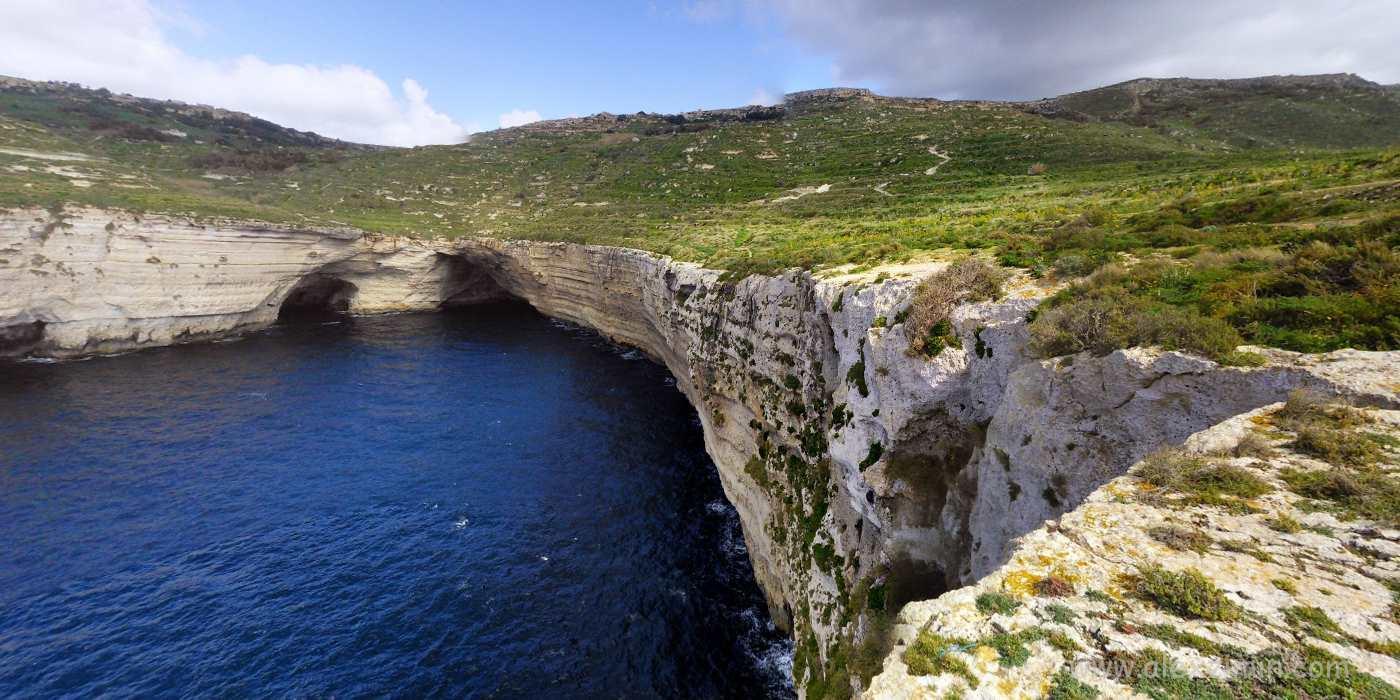 Достопримечательности Мальты. Прибрежные скалы и утесы Дингли