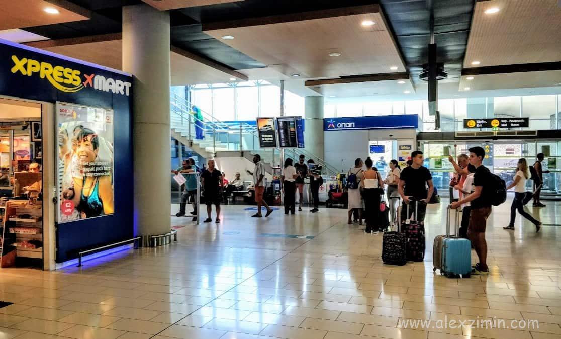 Зал прилета международного аэропорта Ларнака (LCA)