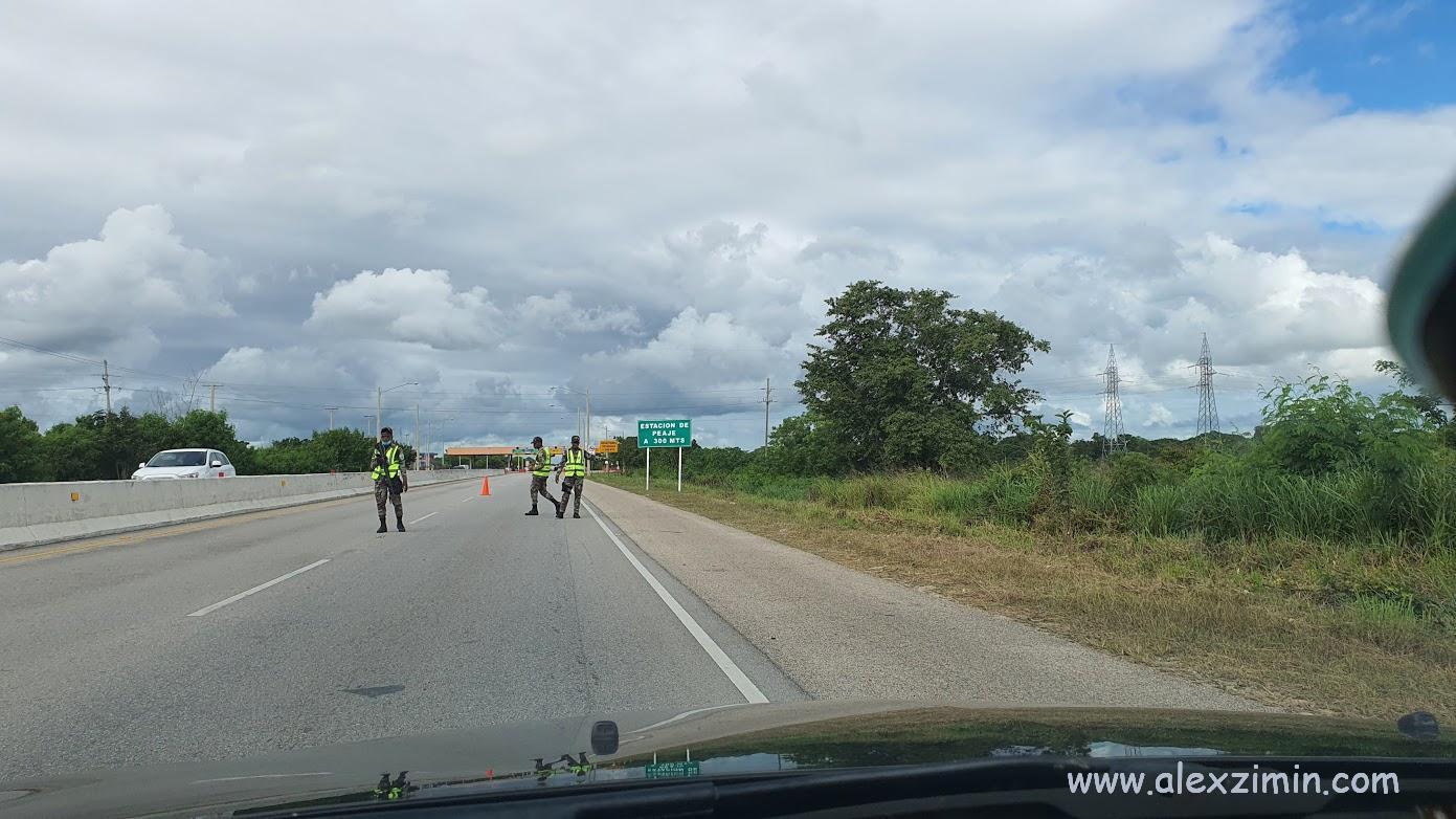 полиция на дороге в Доминикане