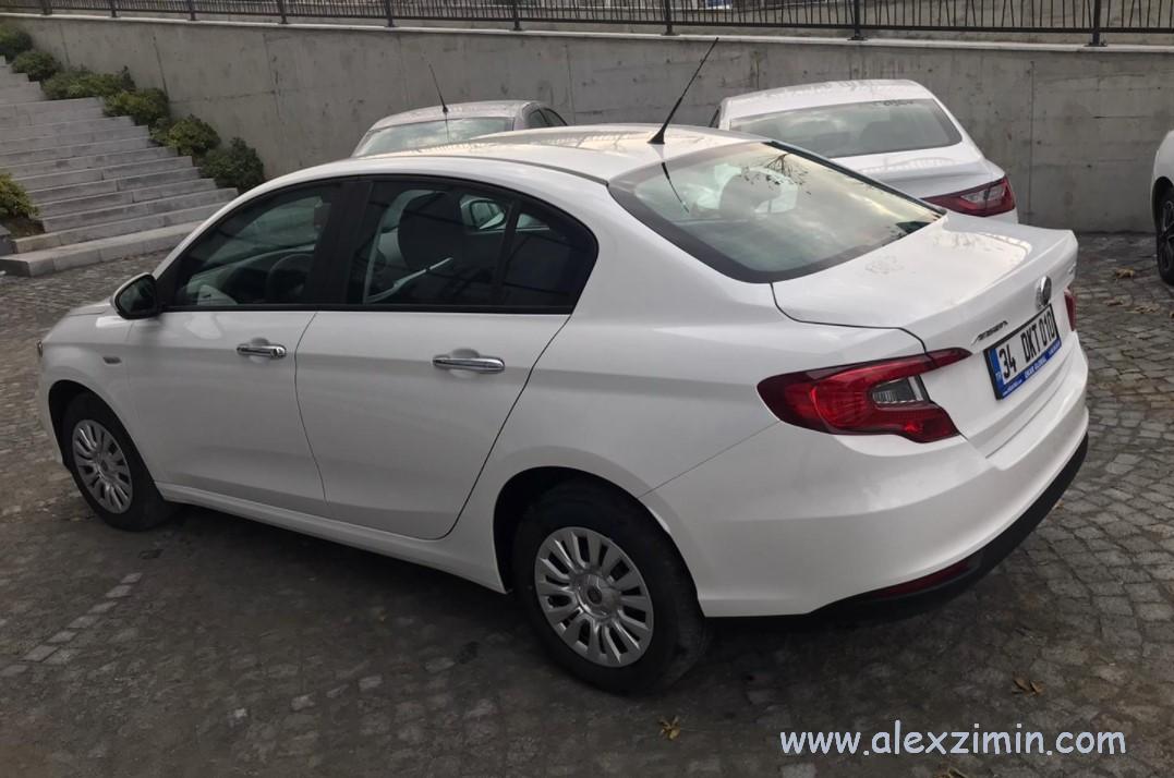 Одна из самых популярных моделей авто в Турции среди прокатных машин - Fiat Egea